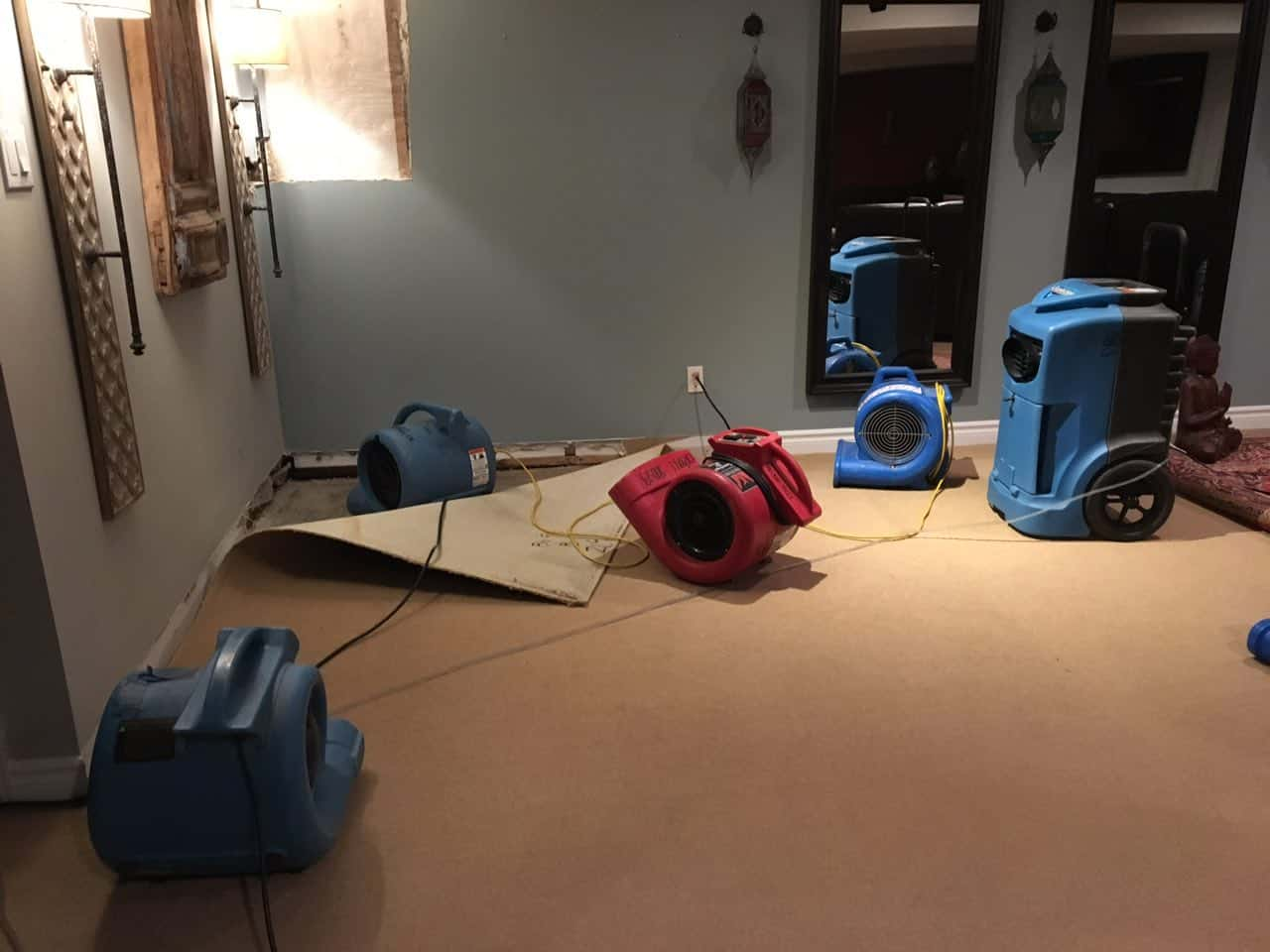 24/7 water damage restoration services